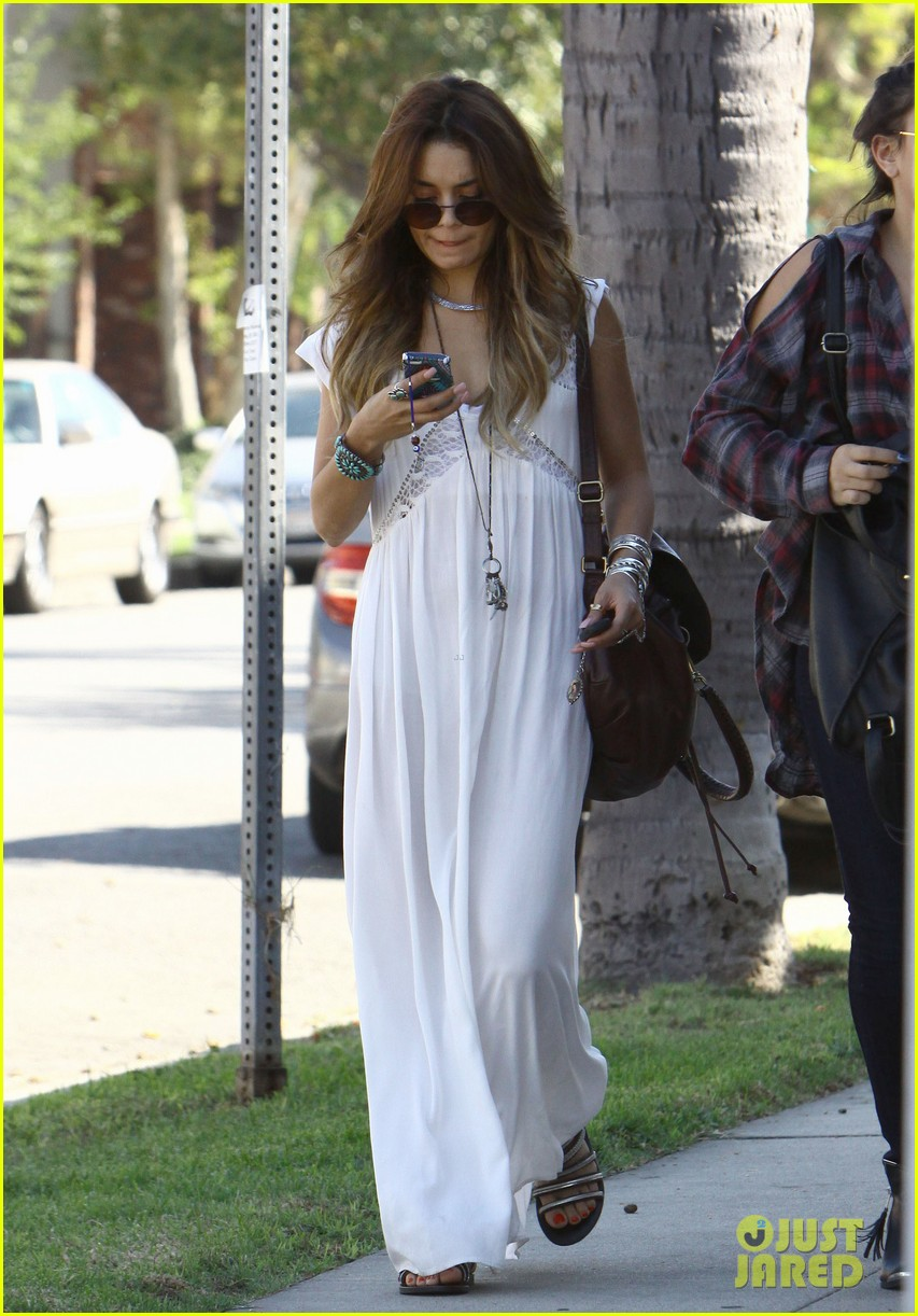 vanessa hudgens spends sunday with stella 312953198