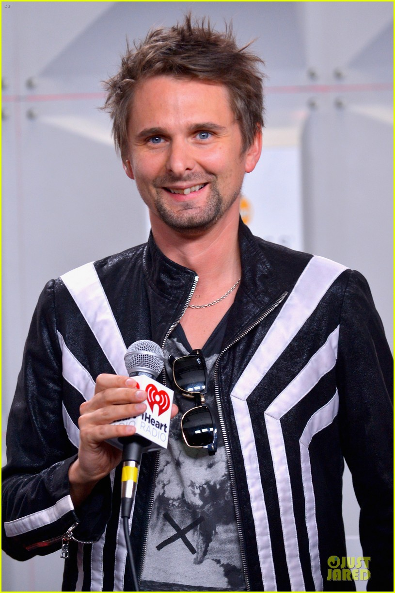 kate hudson supports matthew bellamy at iheartradio music festival 062956454