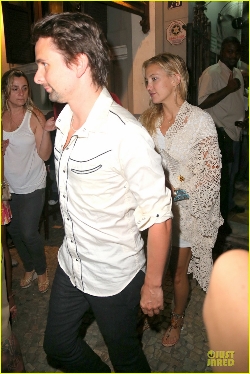kate hudson matthew bellamy catch up with alicia keys 102952255
