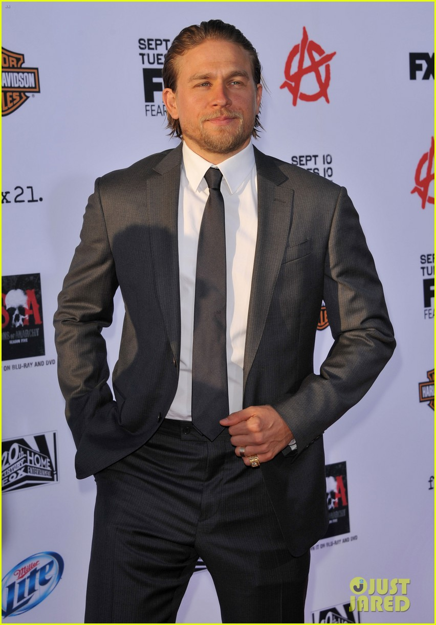charlie hunnam talks fifty shades of grey for first time 062946539