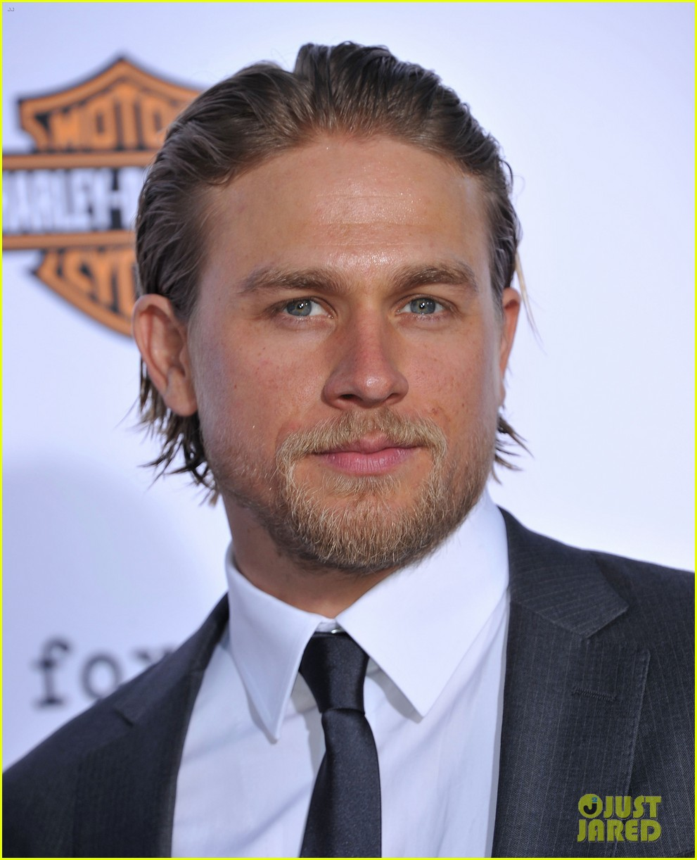 charlie hunnam talks fifty shades of grey for first time 072946540