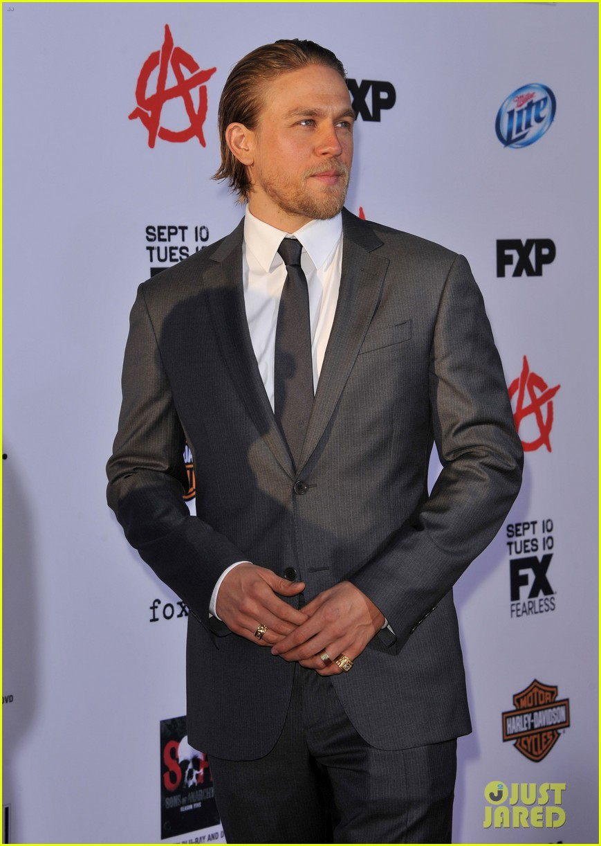 charlie hunnam talks fifty shades of grey for first time 112946544