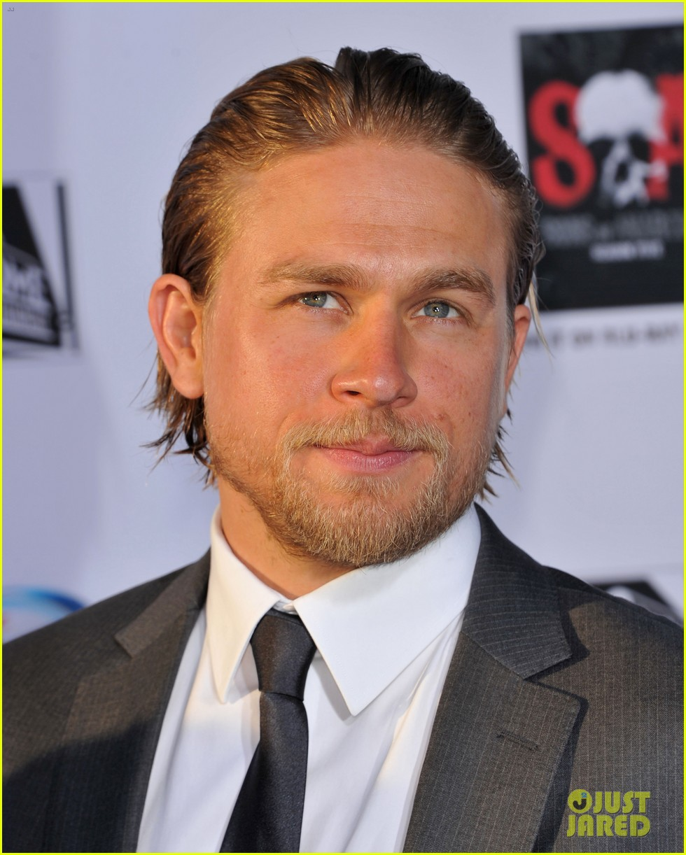 charlie hunnam talks fifty shades of grey for first time 142946547
