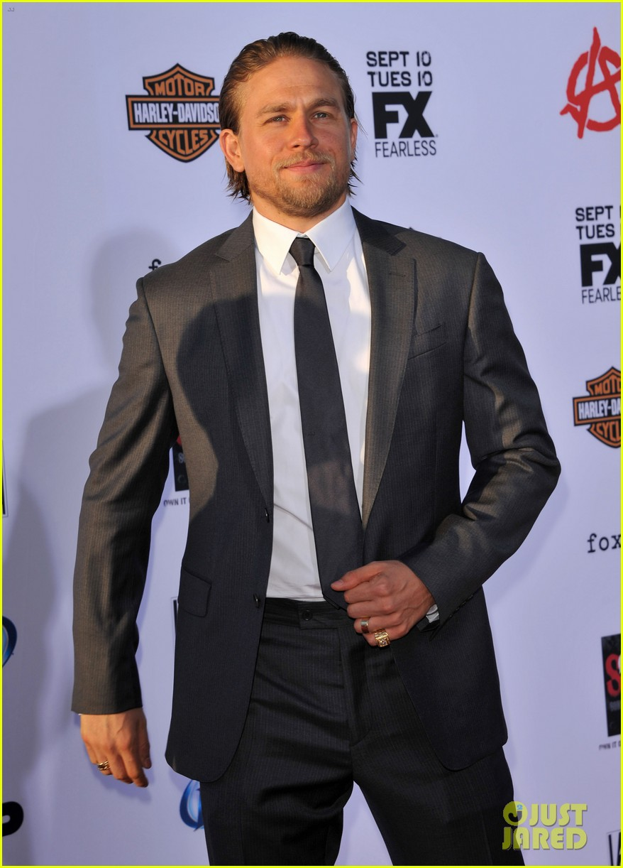 charlie hunnam talks fifty shades of grey for first time 152946548
