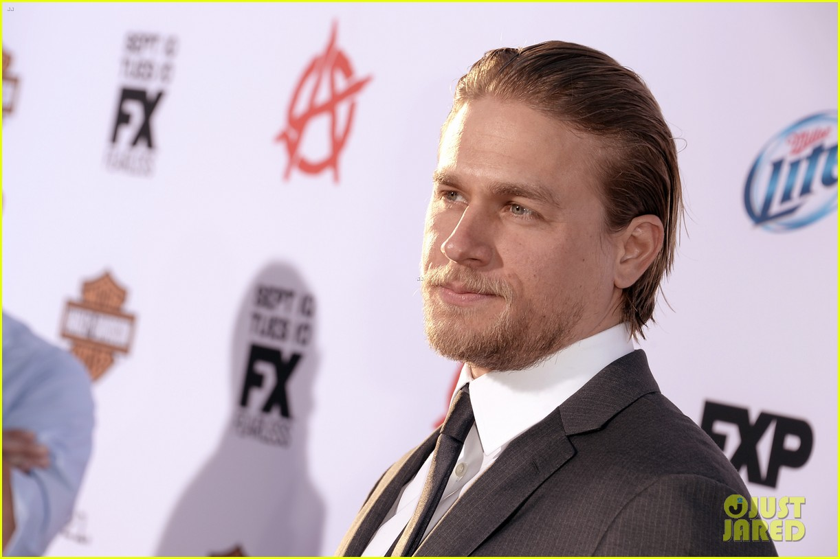 charlie hunnam talks fifty shades of grey for first time 192946552