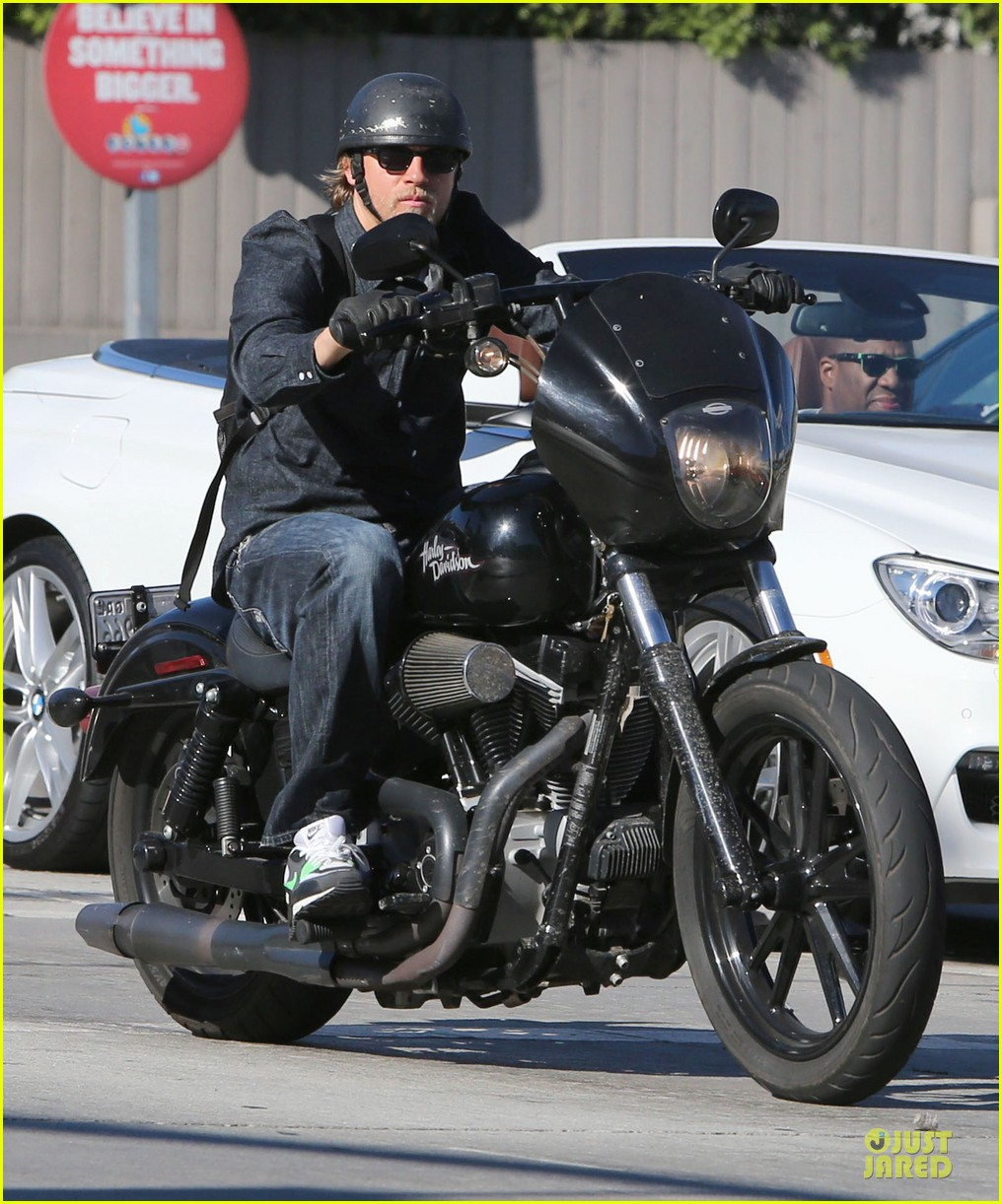 pics of charlie hunnam on his bike naked