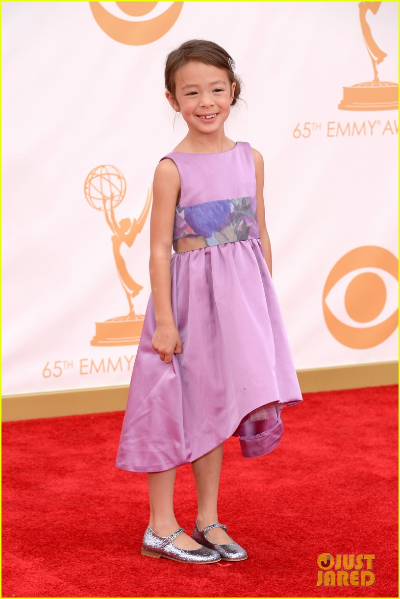 sarah hyland ariel winter emmy awards 2013 red carpet 032957894