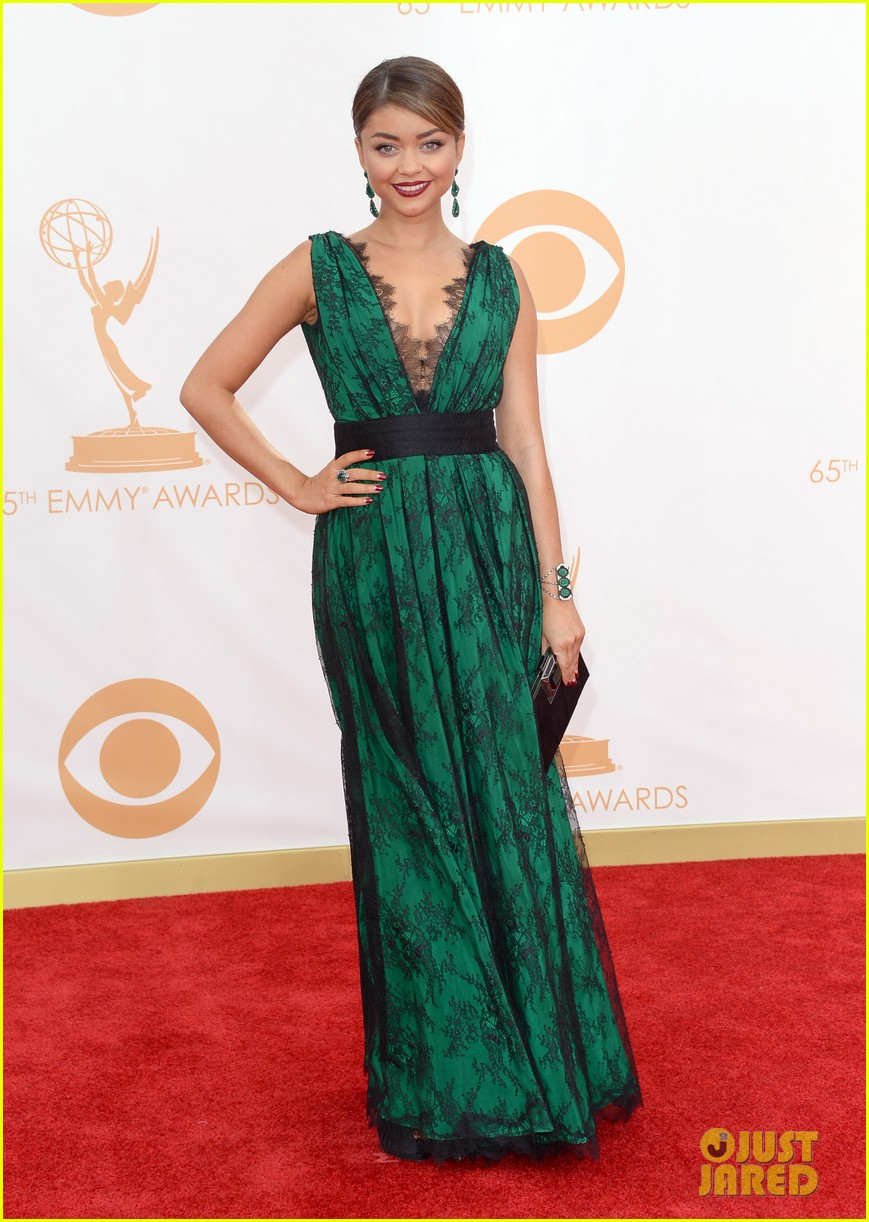 sarah hyland ariel winter emmy awards 2013 red carpet 052957896