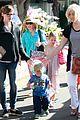 jennifer garner ben affleck mom take kids shopping 02