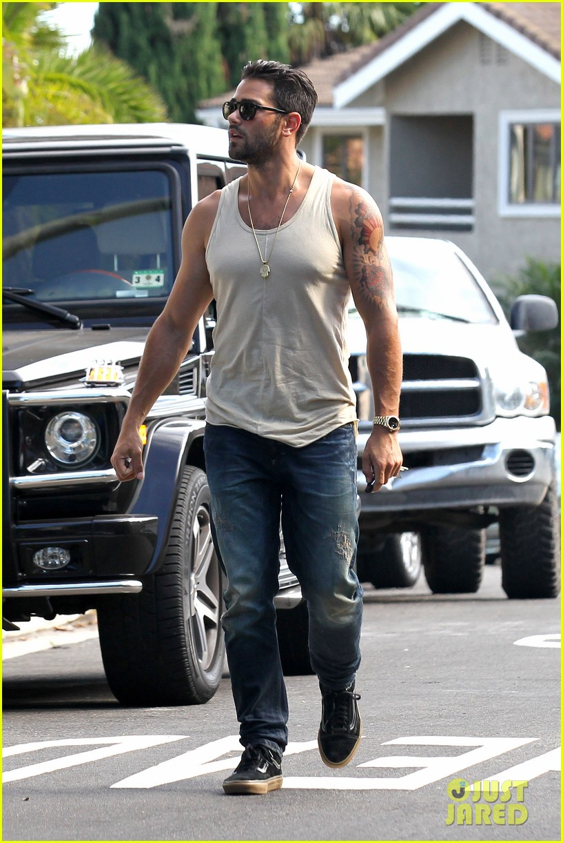 jesse metcalfe motors on labor day after house party 082942911