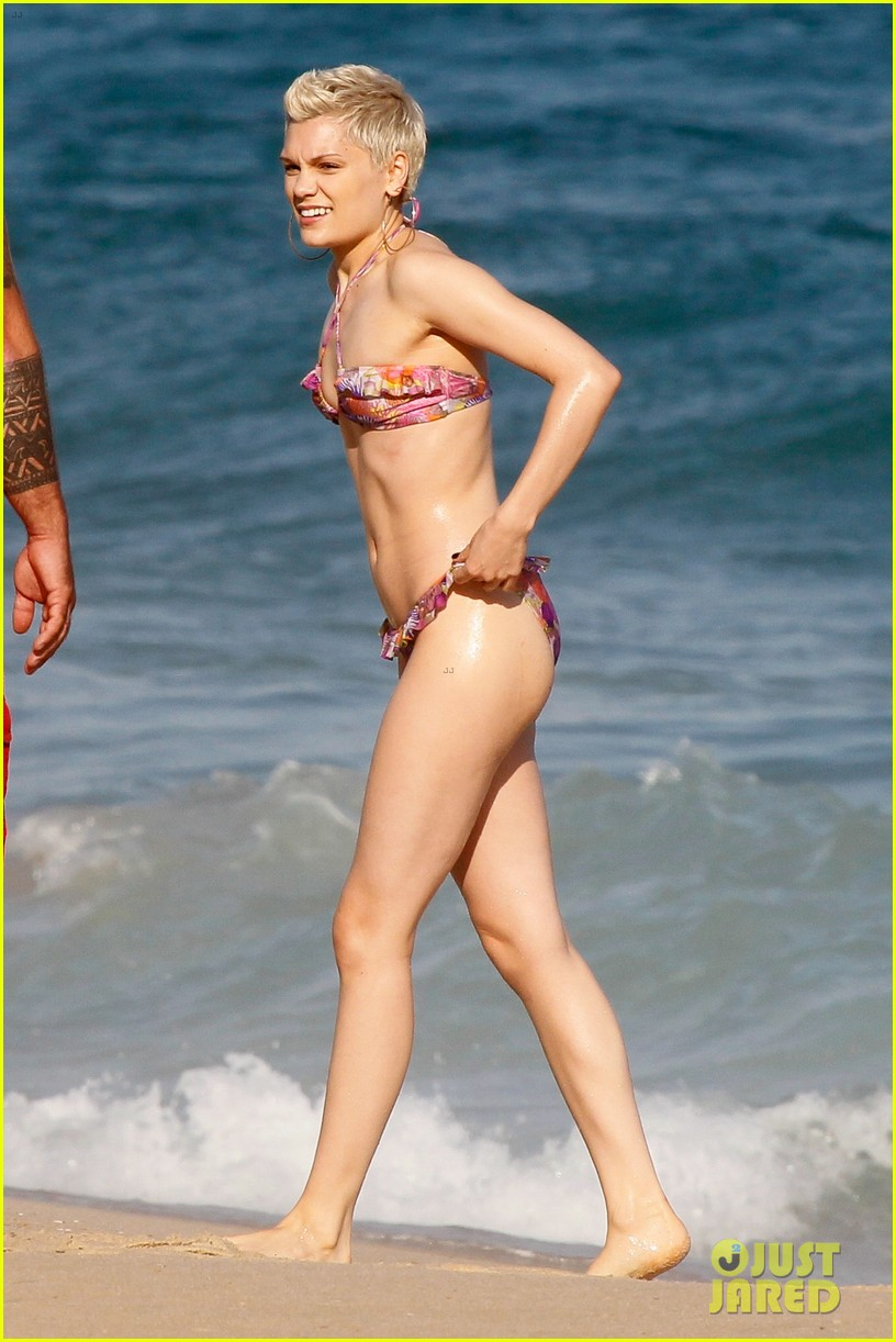 jessie j shows off hot bikini body in rio 022954987