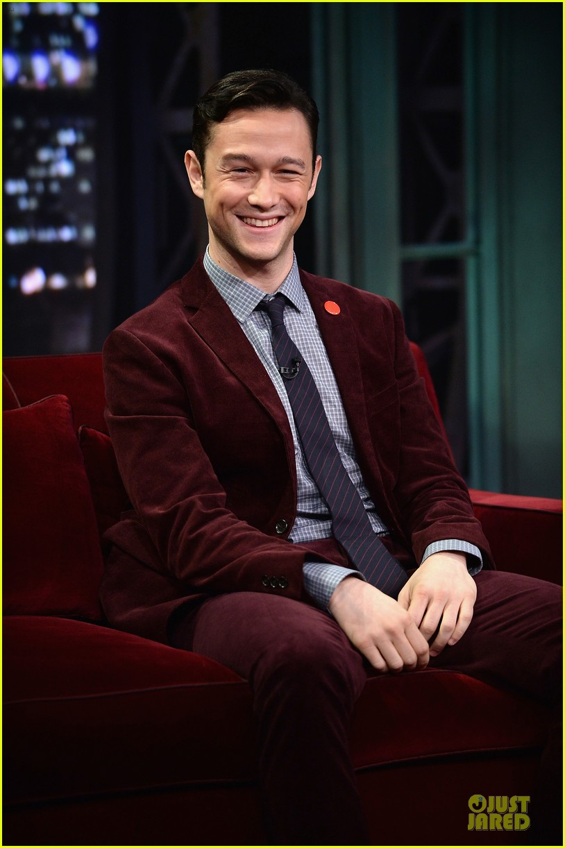 joseph gordon levitt lip synching contest on fallon 142959457
