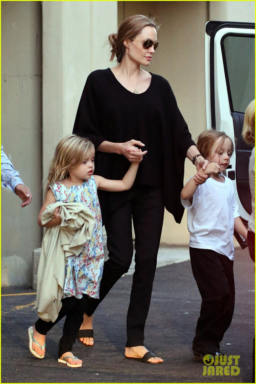angelina jolie goes bowling in australia with all six kids 01