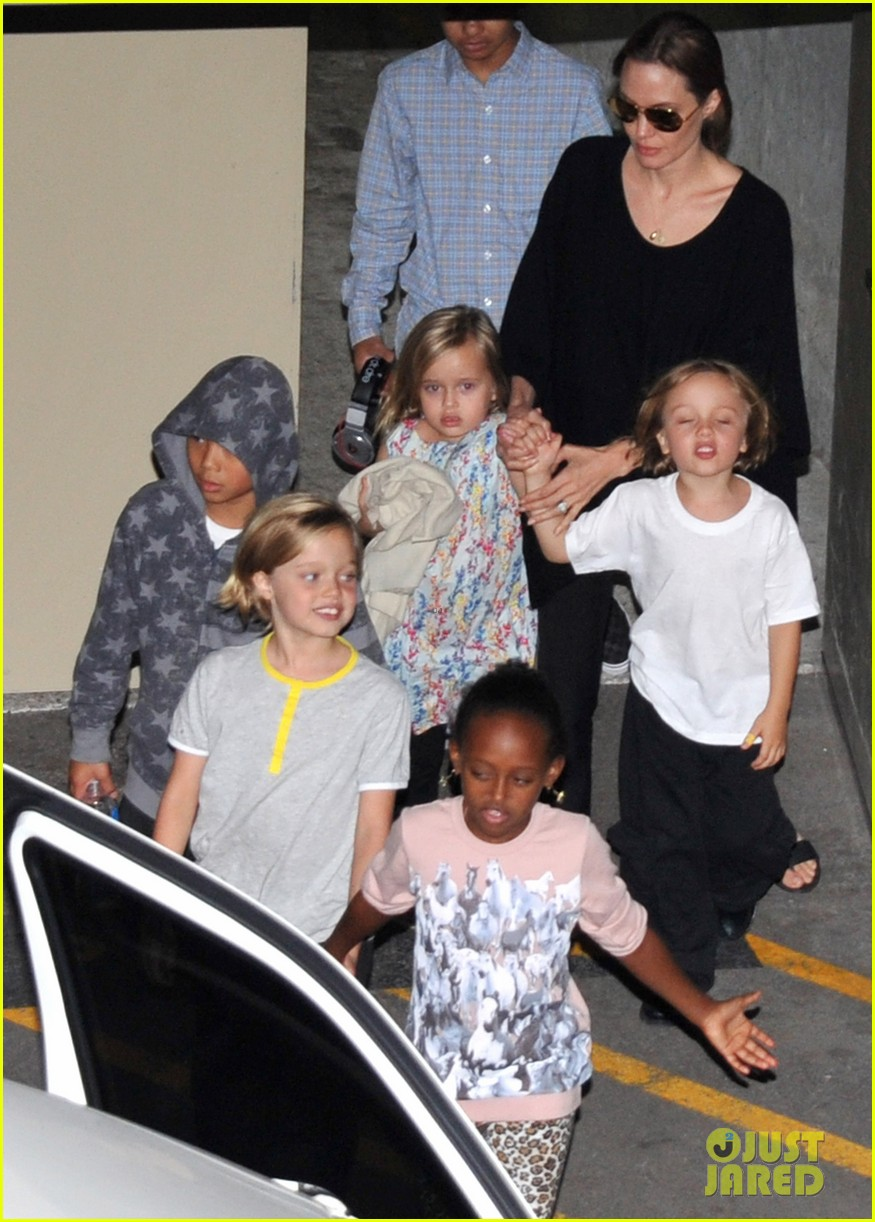 angelina jolie goes bowling in australia with all six kids 032949242