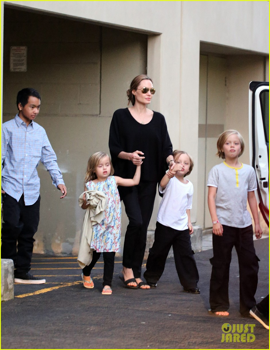 angelina jolie goes bowling in australia with all six kids 04