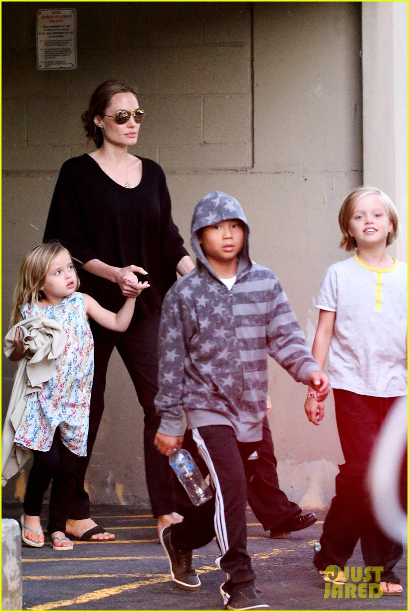 angelina jolie goes bowling in australia with all six kids 062949245