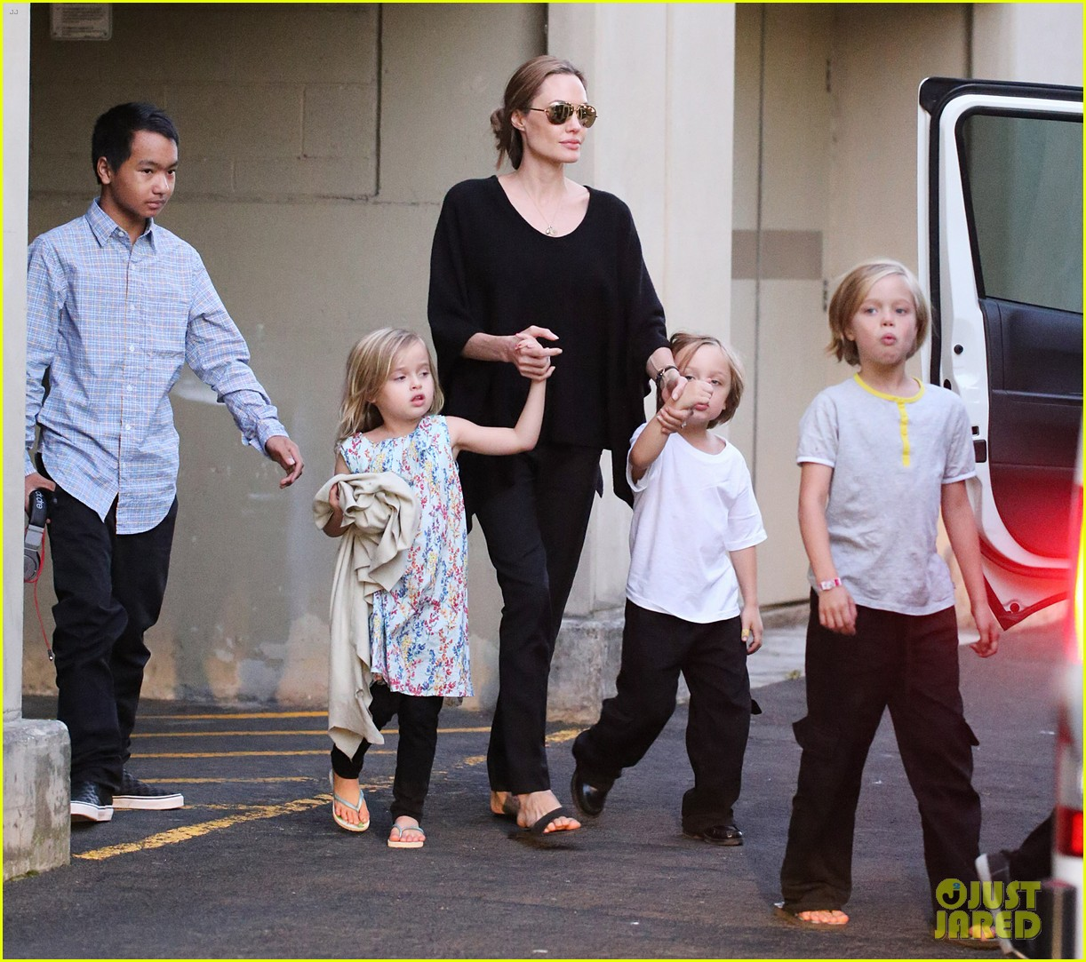 angelina jolie goes bowling in australia with all six kids 072949246