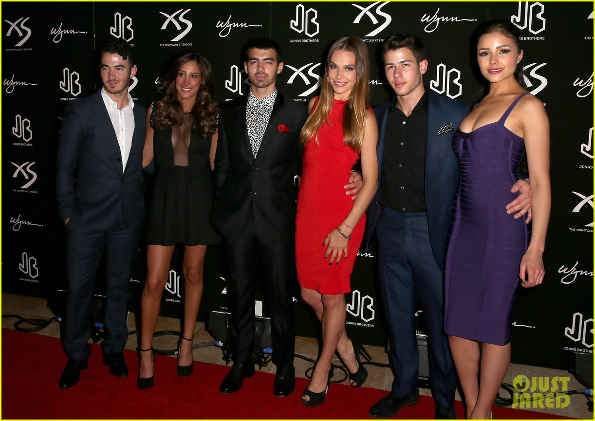 jonas brothers celebrate nicks 21st birthday at xs 10