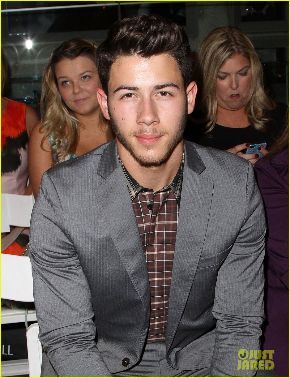 nick jonas connor cruise evening by sherri hill show 08