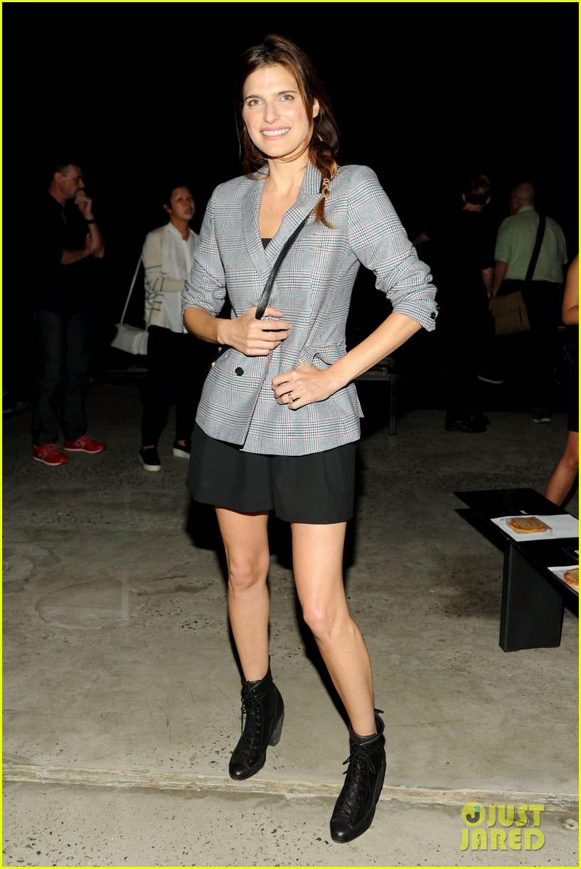 rashida jones lake bell band of outsiders fashion show 072948023