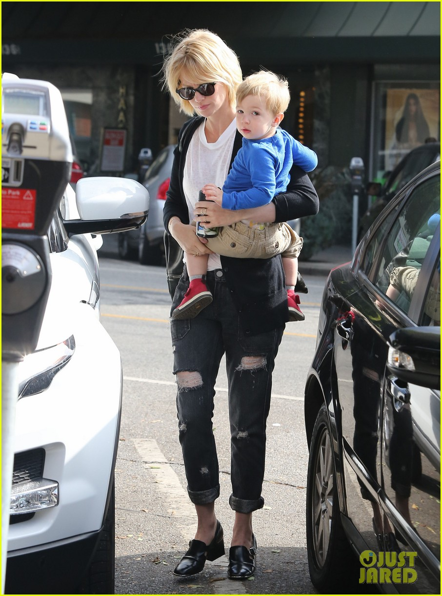 january jones xander are breaking buddies in la 01