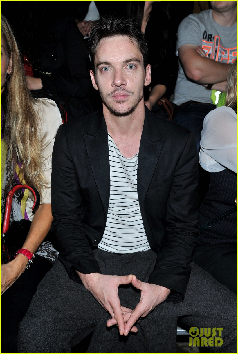 jonathan rhys meyers conchita perez fashion show 022952491