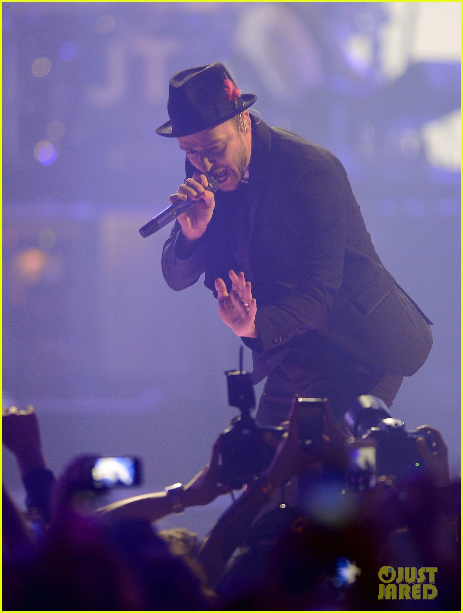 justin timberlake debuts two new songs iheartradio watch 05
