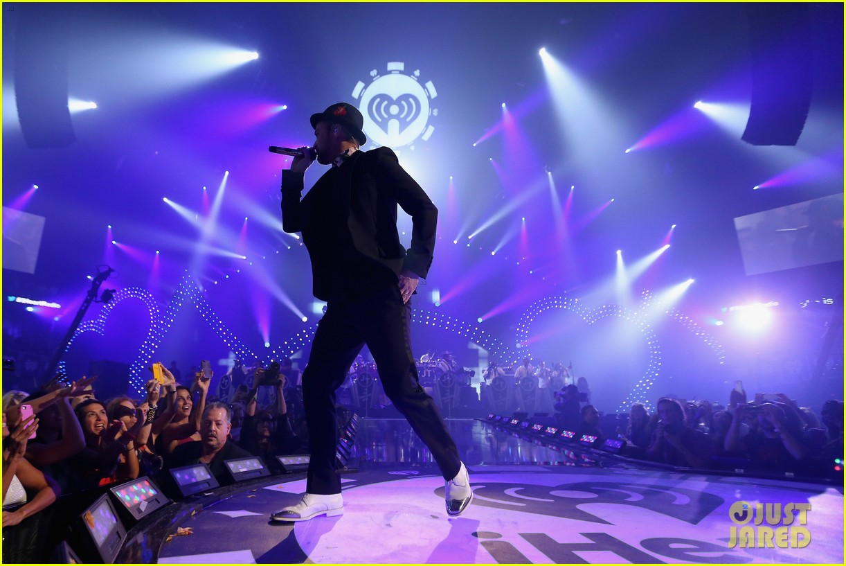 justin timberlake debuts two new songs iheartradio watch 122957350