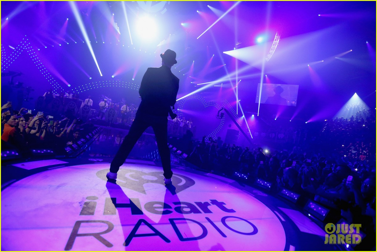 justin timberlake debuts two new songs iheartradio watch 242957362