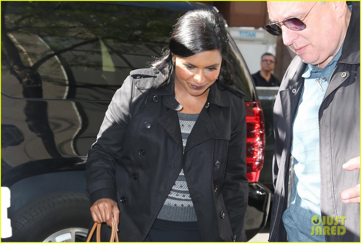 mindy kaling promotes mindy project premiere on today 022954598
