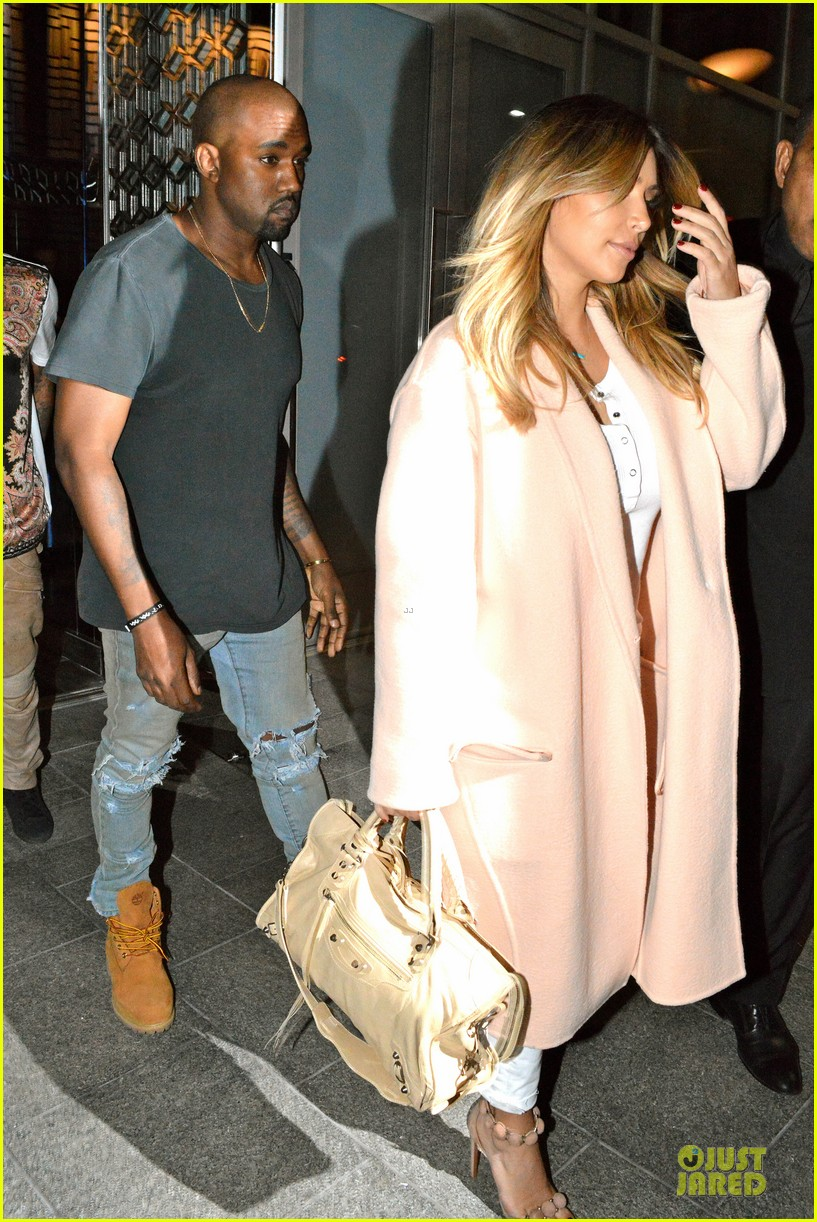 kim kardashian sports blond hair for dinner with kanye west 02