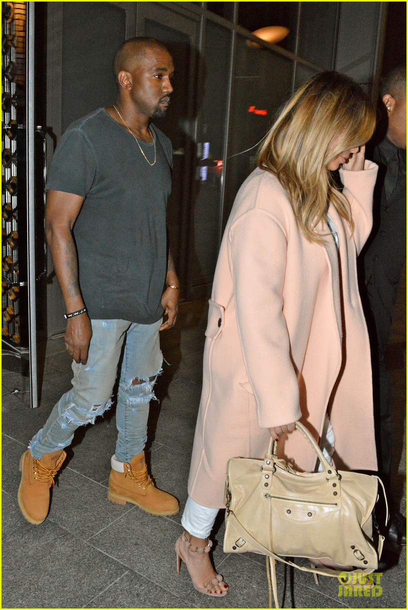 kim kardashian sports blond hair for dinner with kanye west 04