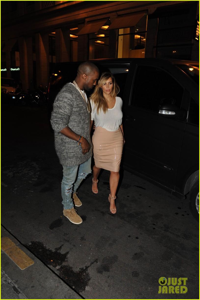 kim kardashian kanye west parisian dinner date 112963313