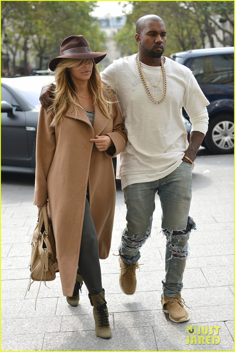 kim kardashian kanye west step out together in paris 12