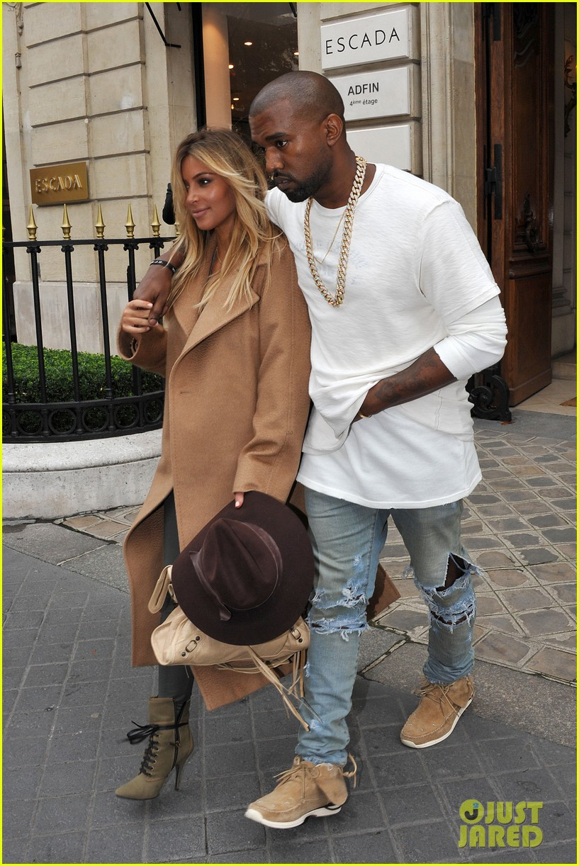 kim kardashian kanye west step out together in paris 27