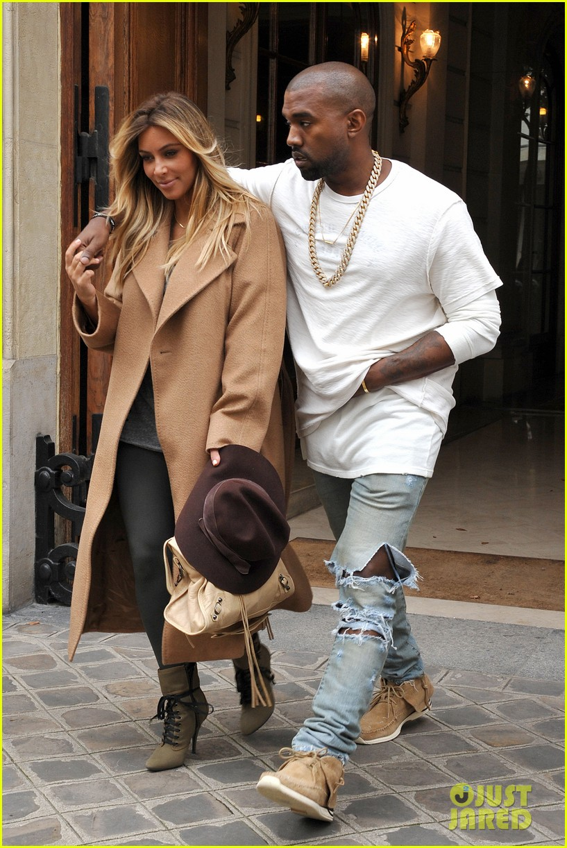 kim kardashian kanye west step out together in paris 28