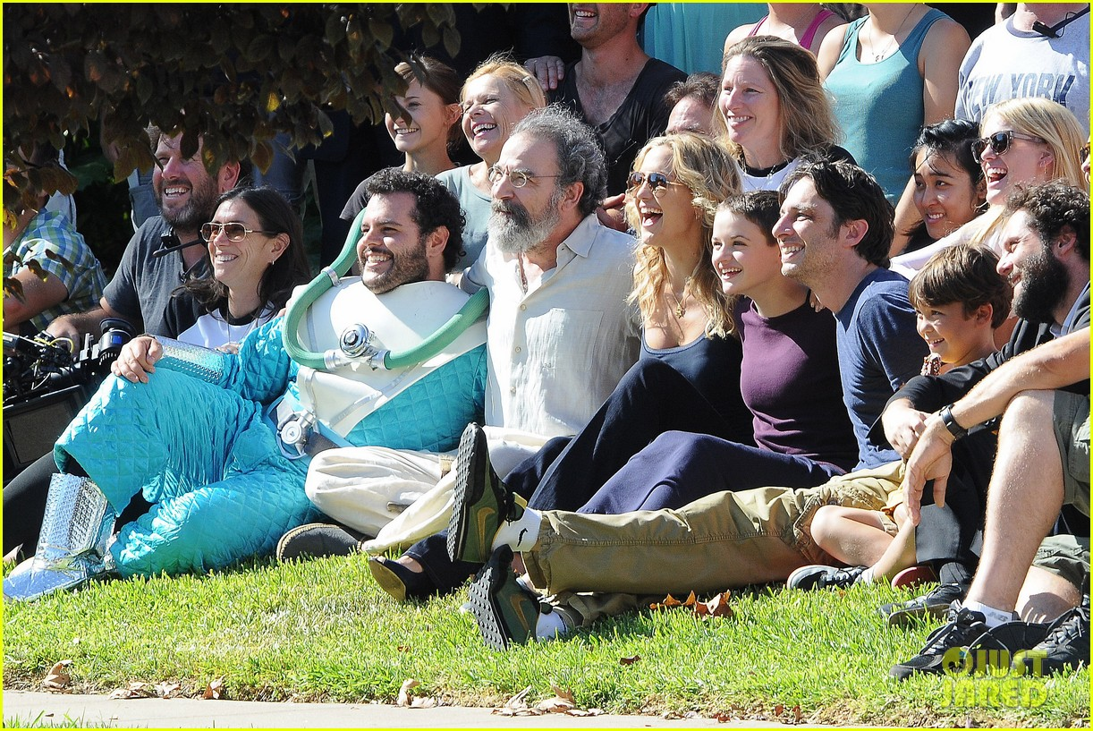 kate hudson zach braff wrap wish i was here 21