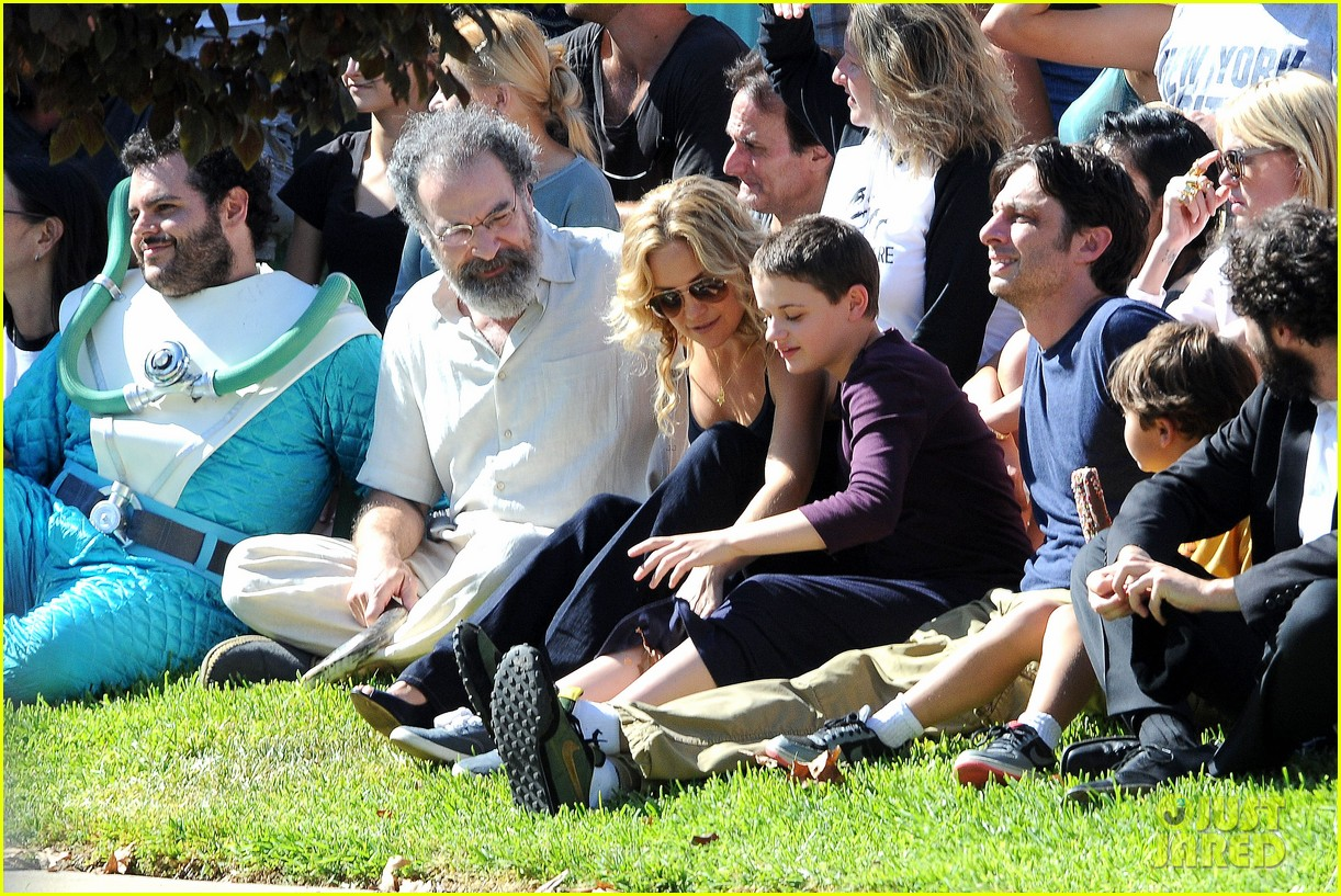 kate hudson zach braff wrap wish i was here 282946890
