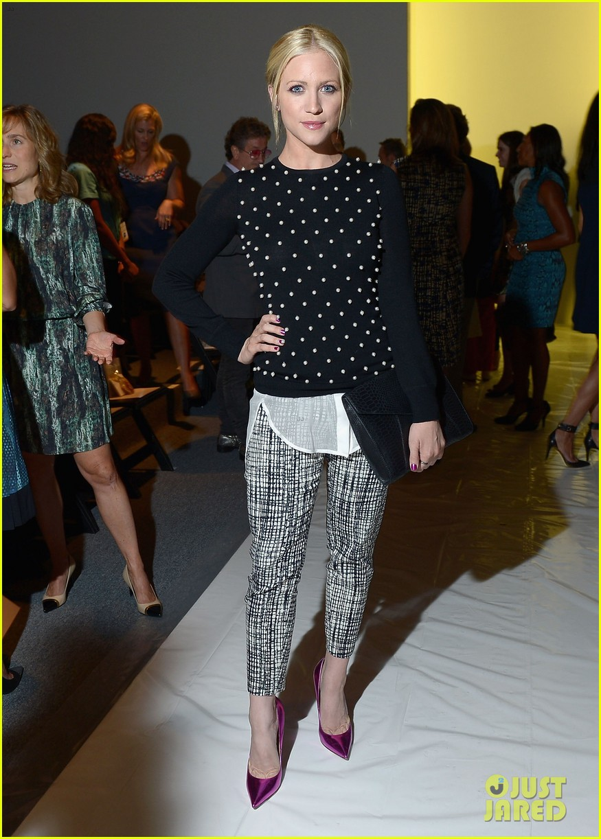 katie cassidy brittany snow front row at lela rose fashion show 102947057