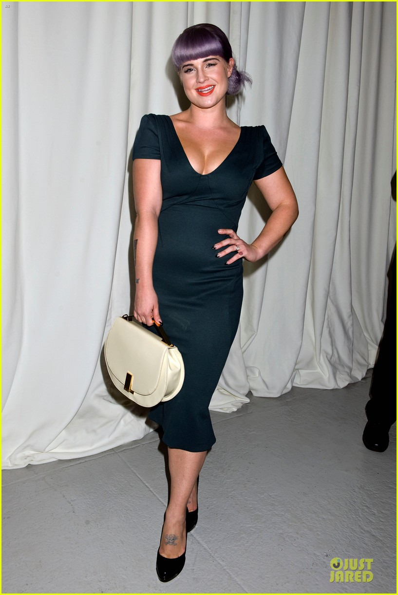 stacy keibler christina hendricks zac posen fashion show 072947729