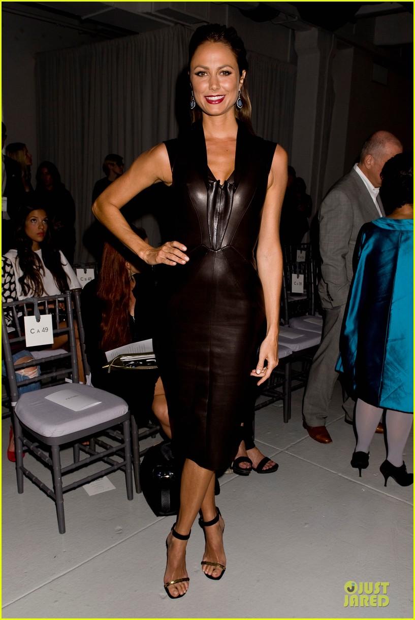 stacy keibler christina hendricks zac posen fashion show 09