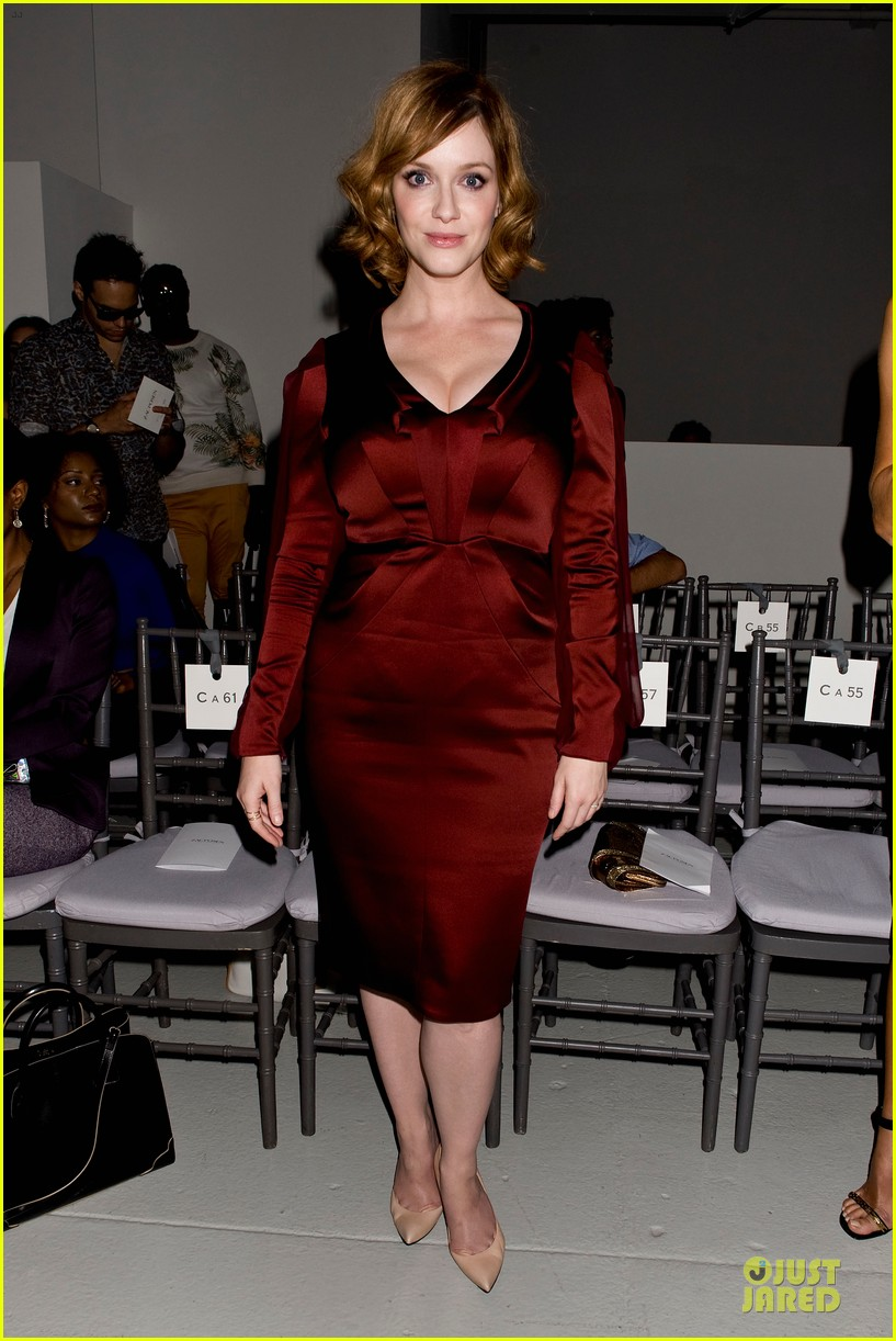 stacy keibler christina hendricks zac posen fashion show 132947735