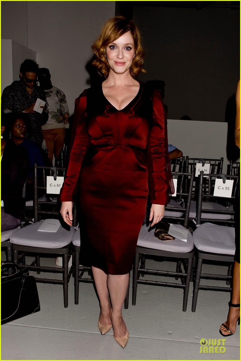 stacy keibler christina hendricks zac posen fashion show 142947736