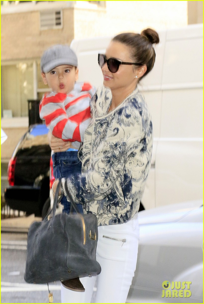 miranda kerr hangs with flynn is loving life 052959814