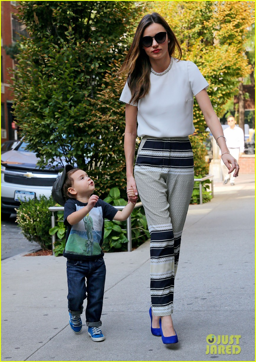 miranda kerr flynn wear matching blue shoes 032956164