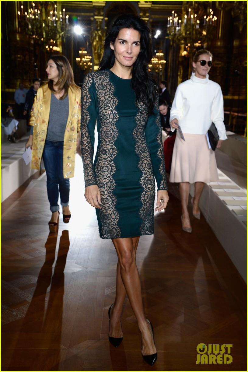 miranda kerr cara delevingne stella mccartney fashion show 052963014