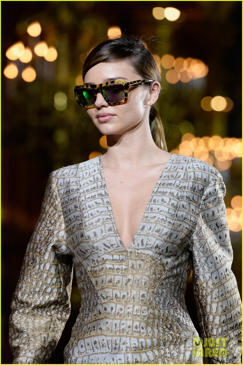 Miranda Kerr Cara Delevingne Stella McCartney Fashion Show