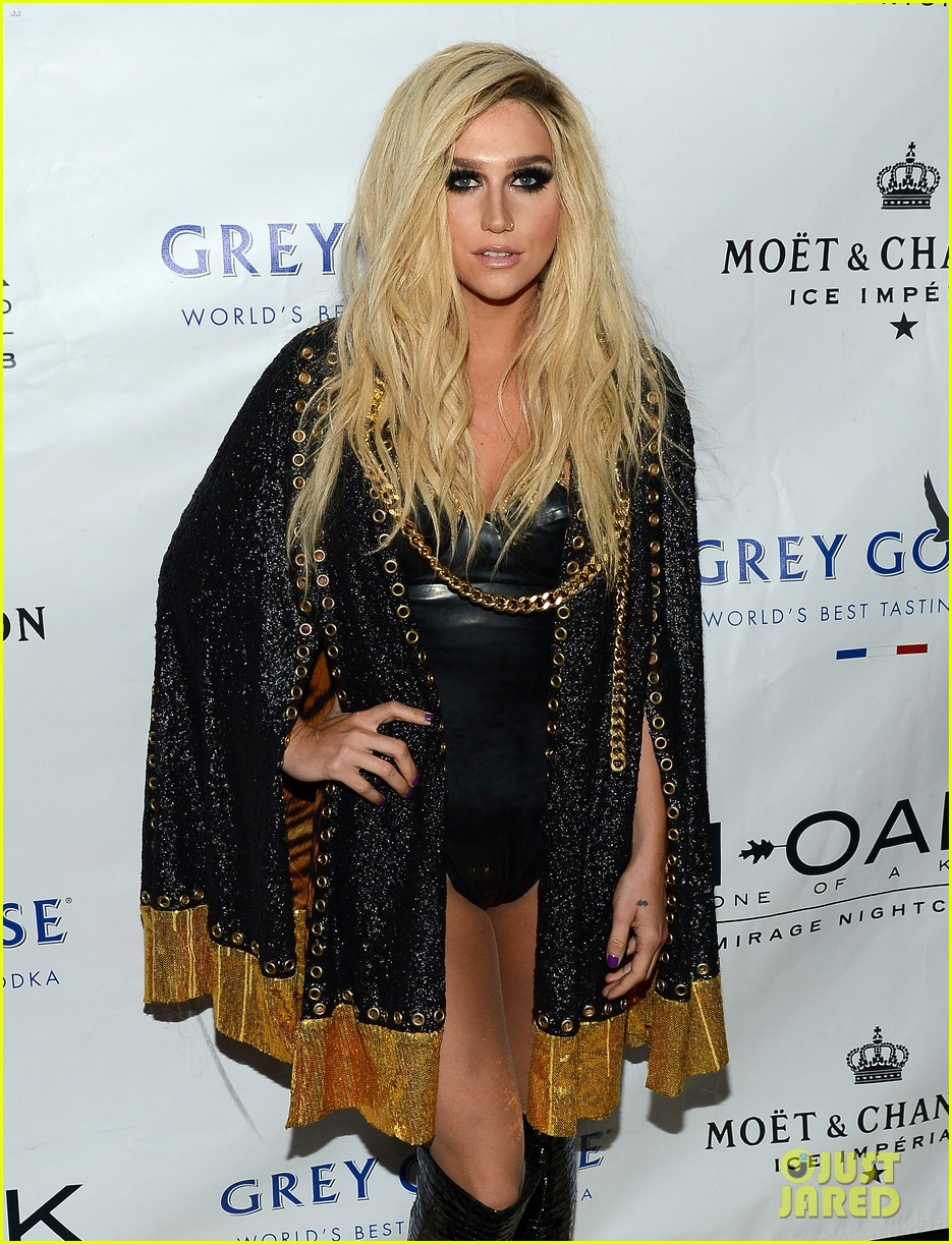 kesha 1 oak nightclub performance in vegas 132942332