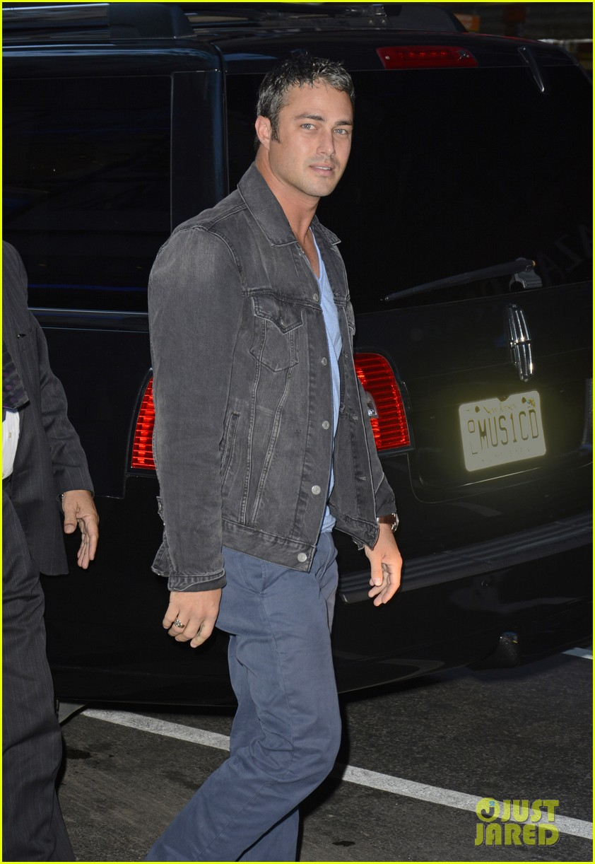 taylor kinney dating lady gaga is normal 022959708