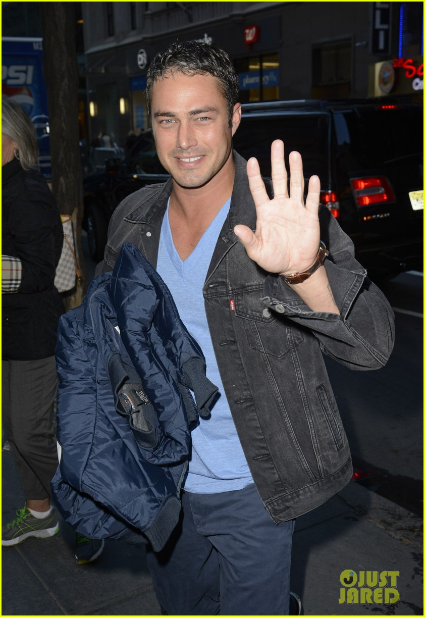 taylor kinney dating lady gaga is normal 032959709